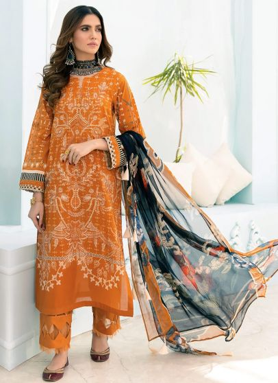 Meyve Embroidered Pakistani Salwar Kameez